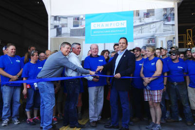 Benton, Kentucky, ribbon cutting