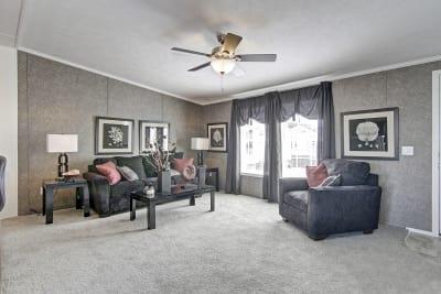 Titan Homes, Titan 602, living room