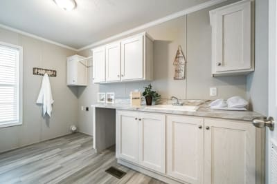 Gold Star 2868 245 utility room