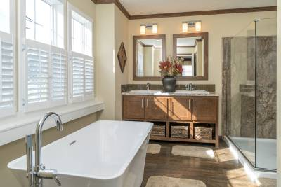 Champion Homes Homes, York, Nebraska, Radiant Spa Bath
