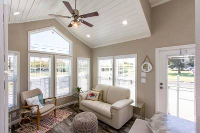 527L Living Room