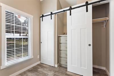 528L Bedroom