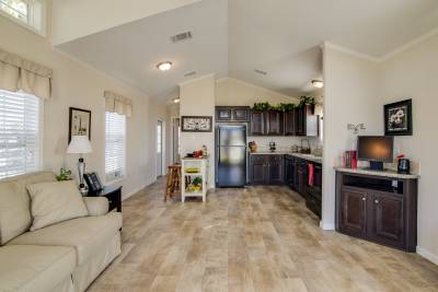 Cimarron Classic 1207 living room and kitchen