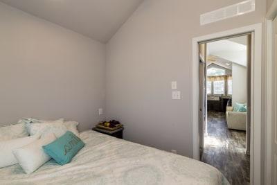 Park Model RV 518 bedroom