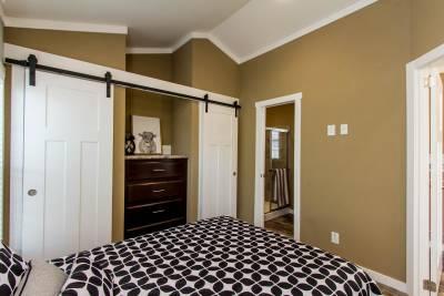 523 Bedroom Closets