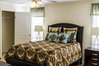 SIG4442C master bedroom