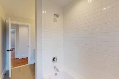 Bath 2B s