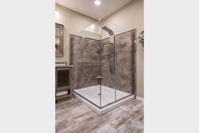 Redman Homes, Topeka, Indiana, Radiant Spa Bath