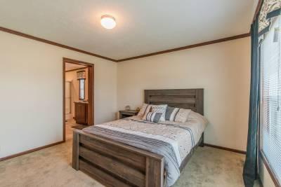 Arlington 2226 master bedroom