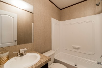 Redman 1466A bathroom