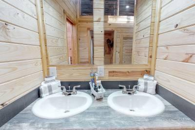 544 Bathroom