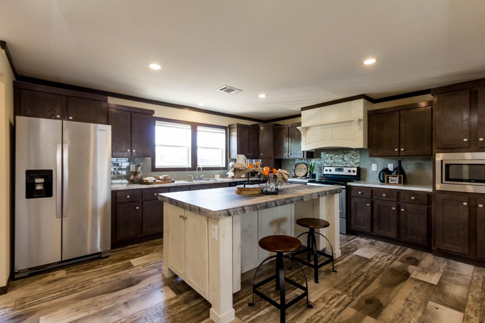 Manufactured home retailer - Titan Factory Direct - Willis
