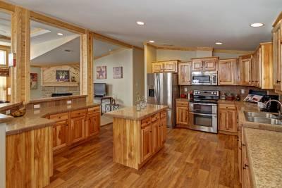 Athens, Texas - Pine Mountain Cabin Kitchen