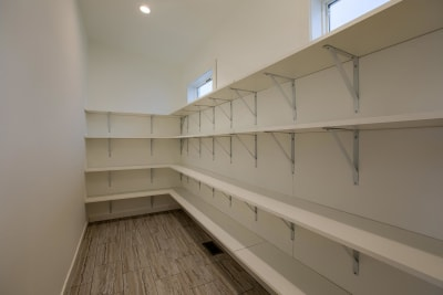 Central Great Plains 964 walk-in pantry