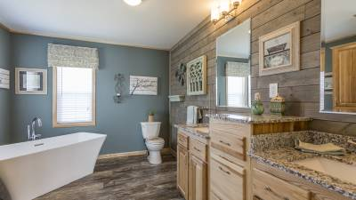 Highland Manufacturing, manufactured homes, master bath