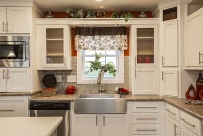 New Image Freeport Ultimate Kitchen Two farmhouse sink and cabinets