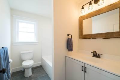 Excel Homes, Boardwalk, bathroom