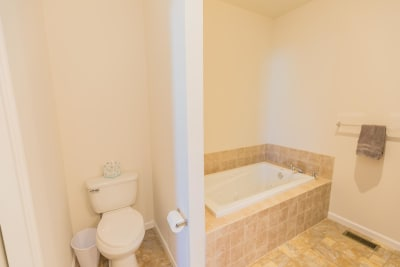 Excel Homes, Crestwood 3A, master bath