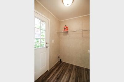 Northwood B24401 utility room