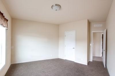 Huntington 887 bedroom