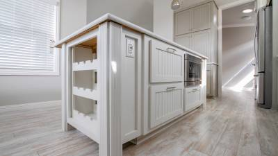 Silvercrest Craftsman, California - kitchen island