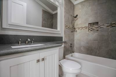 Silvercrest Craftsman, California - bathroom