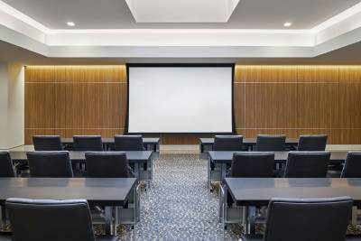 AC Hotel Louisville meeting room