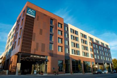 AC Hotel Louisville exterior