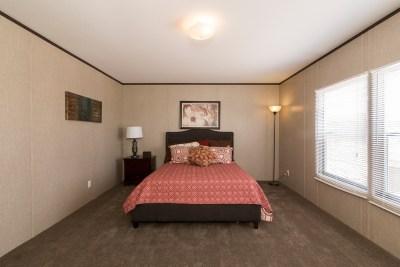 Redman 2856A master bedroom