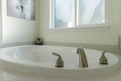 Master Bathroom Tub 2