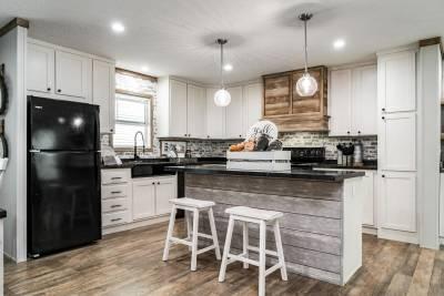 Champion Homes - Benton, Kentucky - Kitchen