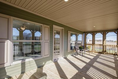 Exterior Porch 1