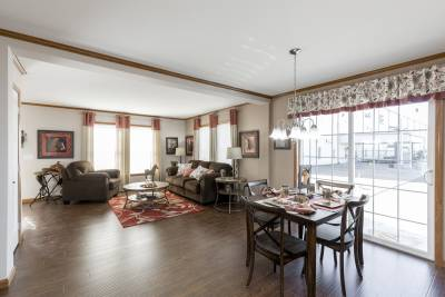 The Manning 506 dining room
