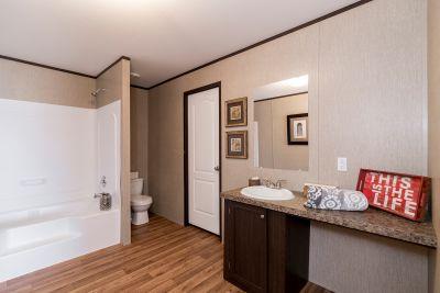 Redman 2856A master bathroom