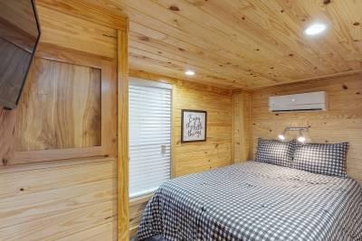 544 Bedroom