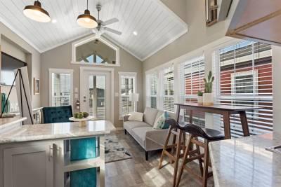 528L Living Room