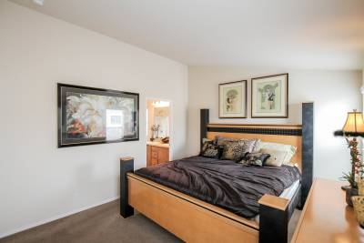 Silvercrest Summit, California - master bedroom