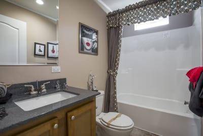 Highland Estates 2854-3L bathroom