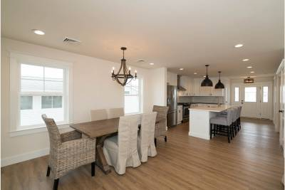 Excel Homes, Boardwalk, dining room and kitchen