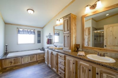 Pine Mountain Cabin 901 master bath