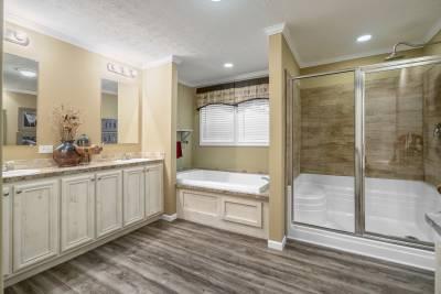 Ridgecrest 6010 master bath