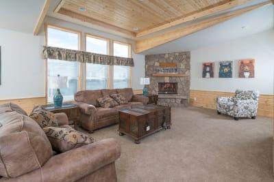 American Freedom 3263 living room