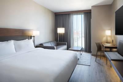 AC Hotel Louisville guest room