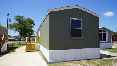 Manufactured home retailer - Titan Factory Direct - San