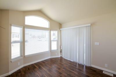Sierra Limited SL09 living room