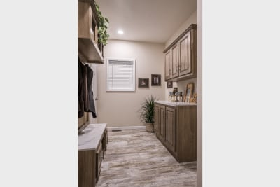New Moon 7205 utility room