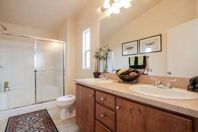 Silvercrest Summit, California - master bathroom