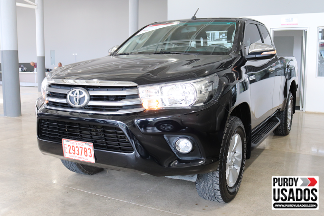 HILUX EXTRA CABINA 4X4 T/M