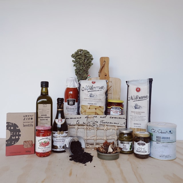 The Gourmet Pantry Hamper - New Farm Deli