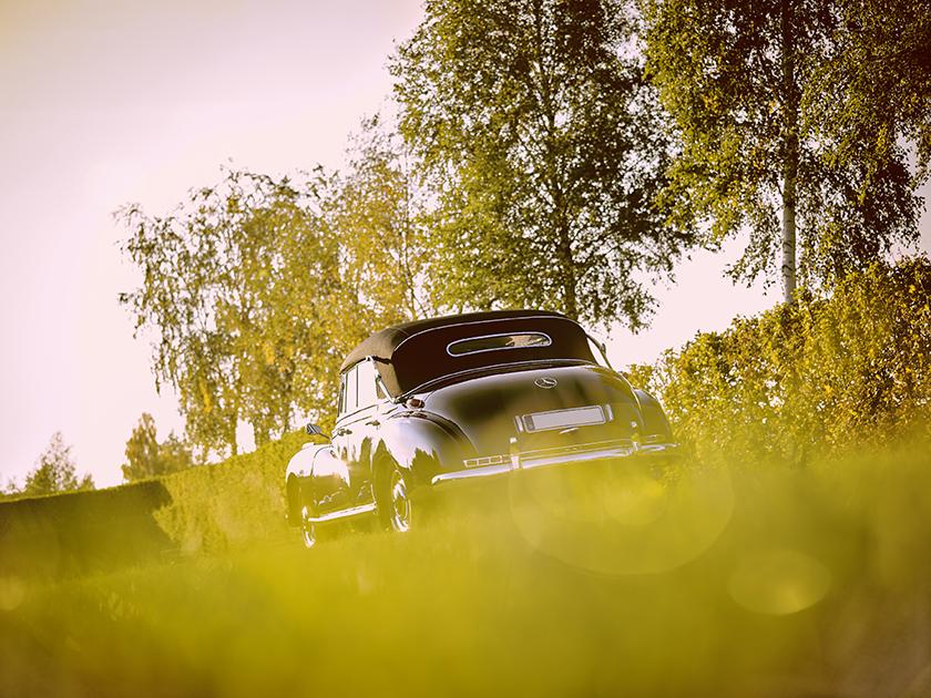 First slide, photo of Adenauer-Mercedes